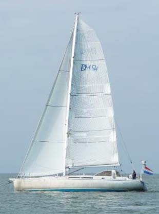 BM54 clipper sail upwind